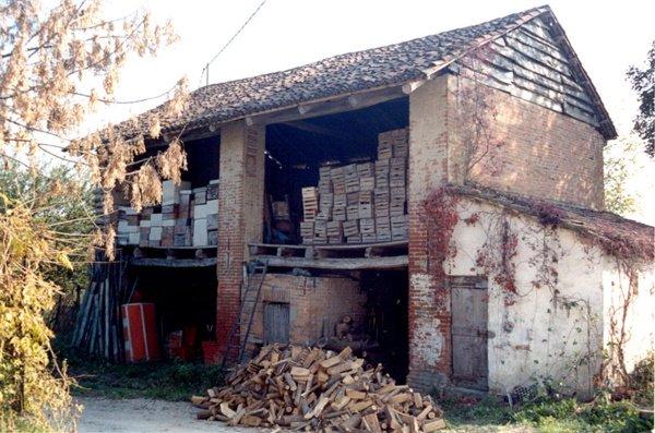 edificio esistente ad uso agricolo, lato nord