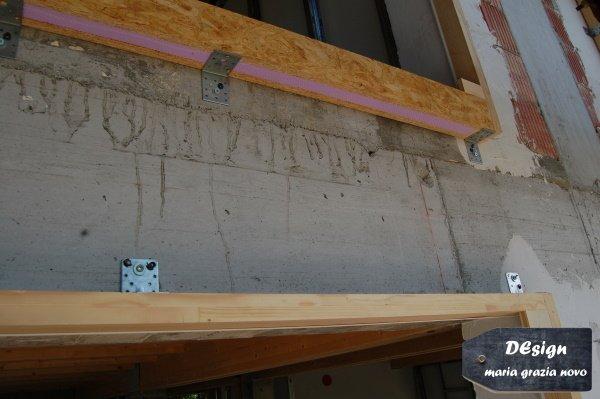 falso telaio esterno ancorato al muro e isolato, posato a regola d'arte per lo standard passivhaus