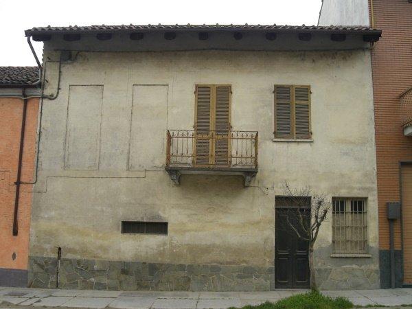 sulla facciata nord sono state realizzate finestre per dare luce agli ambienti interni il tetto attuale era in ottime condizioni ed è stato isolato internamente