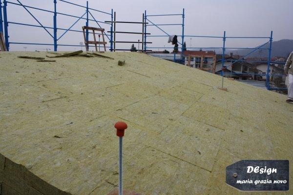 isolamento tetto ad una falda in fibra minerale dello spessore di 30 cm