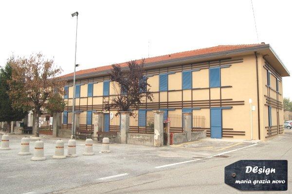 facciata sud dopo la ristrutturazione: per prima cosa ho eliminato il balcone e modificato i serramenti al piano primo per rendere la scuola più sicura per i bambini e più efficiente per garantire maggior comfort interno